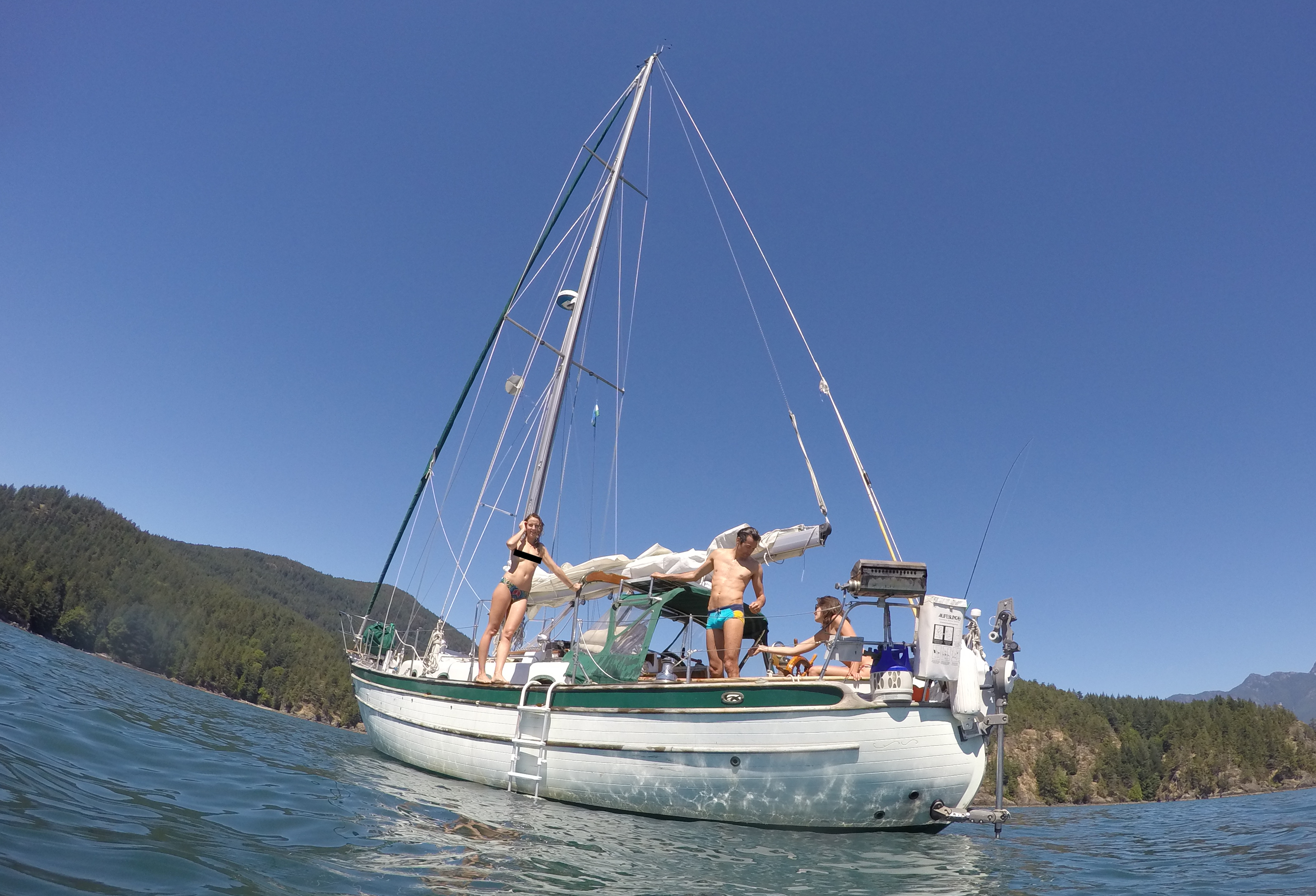 Sailing and swimming with our friends