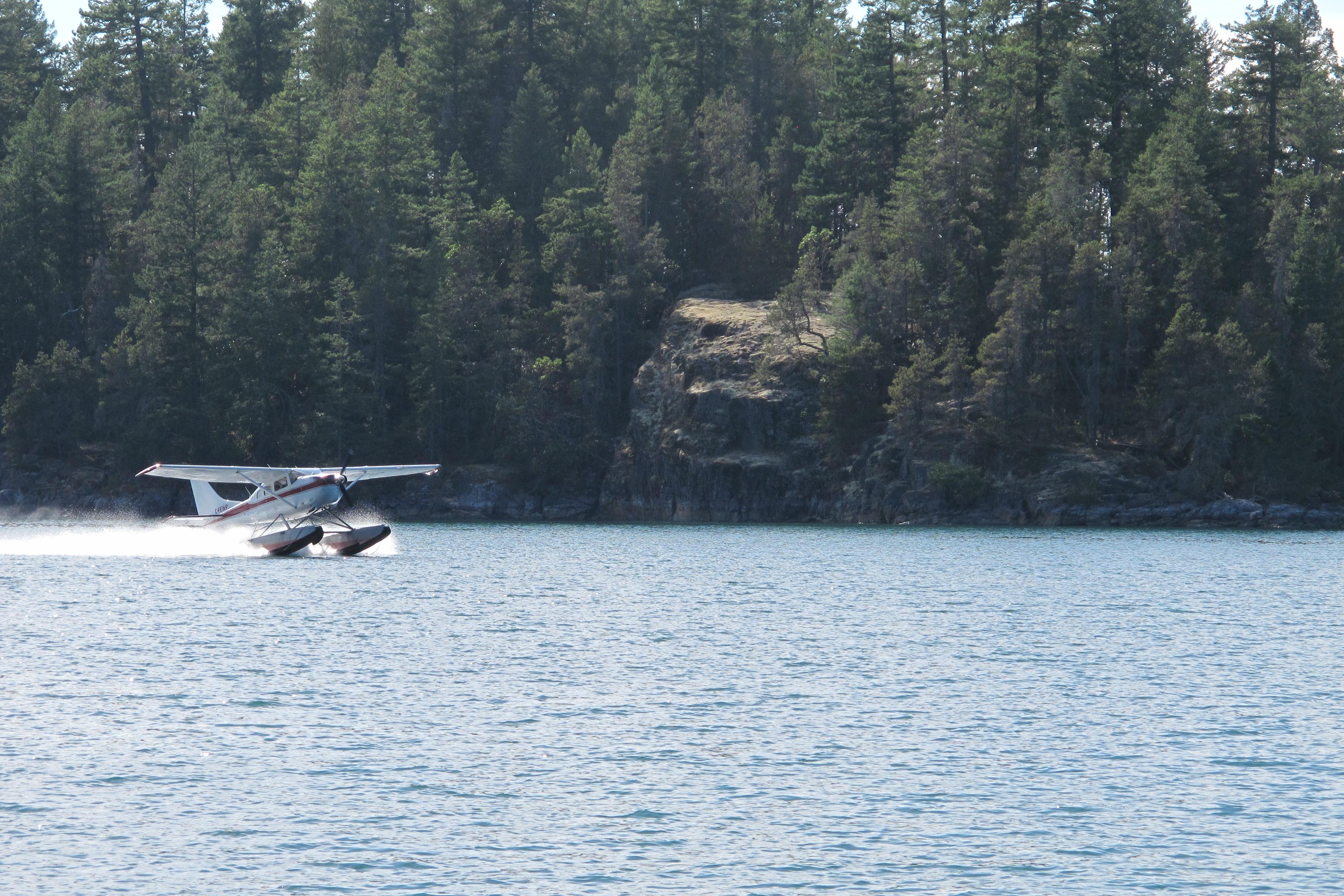 Floatplane landing in Refuge Cove, Desolation Sound